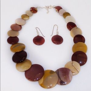 Polished stone necklace and earrings set